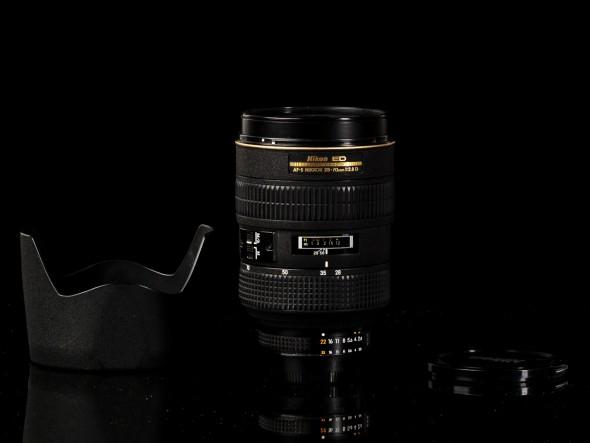 AF-S Nikkor 28-70mm 1:2.8 D / 77mm