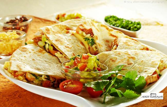 chicken-quesadilla-930x-600