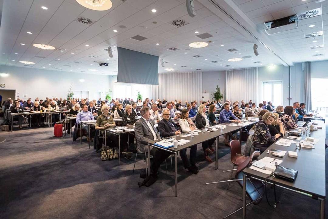 konference foto