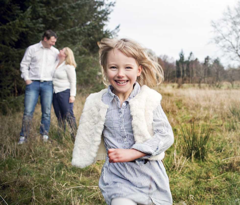 Familie Fotograf i Herning. Familiefotografeirng. Flotte Familiebilleder. Fotograf i esbjerg