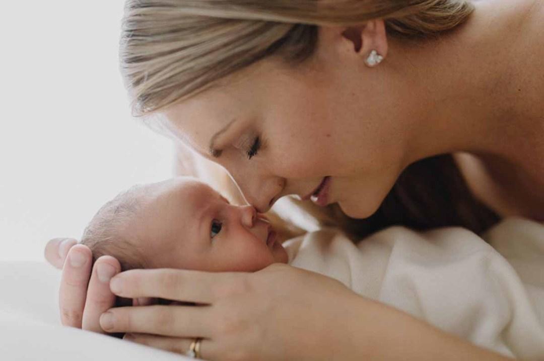 Giv jeres familie et minde for livet med skønne professionelle fotos af den nyfødte i Vejle