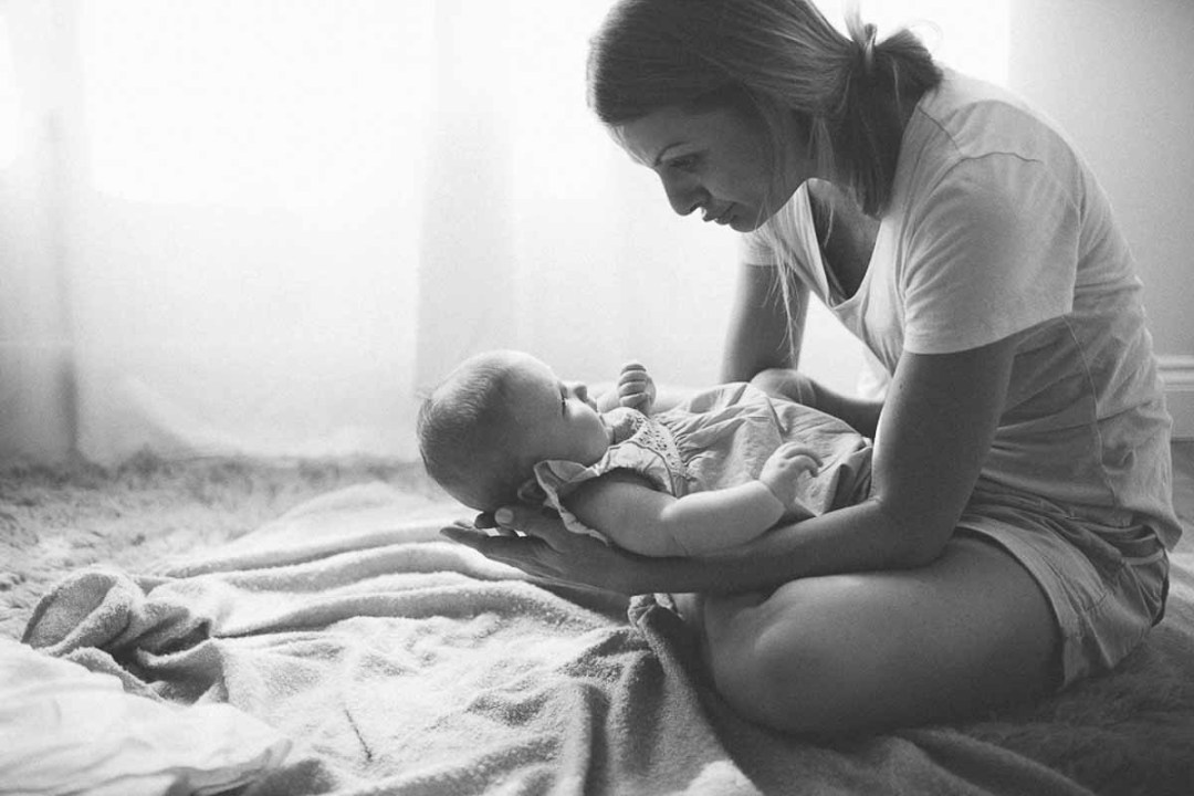 mor og newborn baby