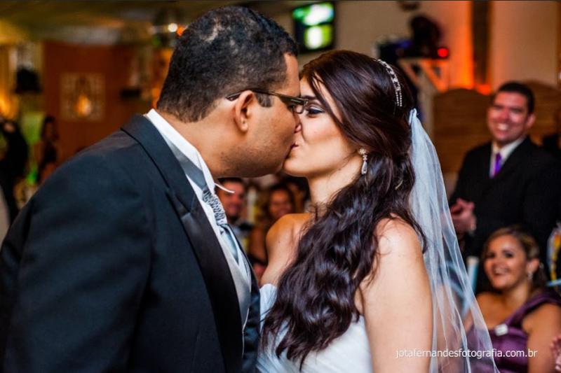 Beijar a noiva