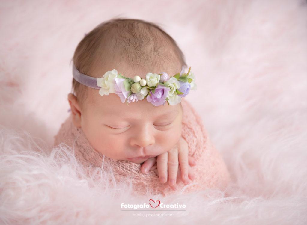 come fotografare un neonato con la tecnica del warp - fotografo di neonati a Bari