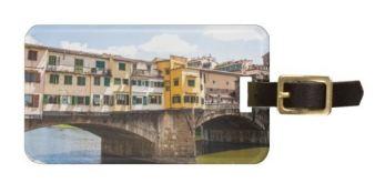 Su Zazzle puoi veramente vendere di tutto. Questa è una targhetta per valigie con una mia fotografia del Ponte Vecchio. Da annotare: Firenze vende tanto.