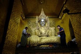 Svatyně Mahamuni, Mandalaj
