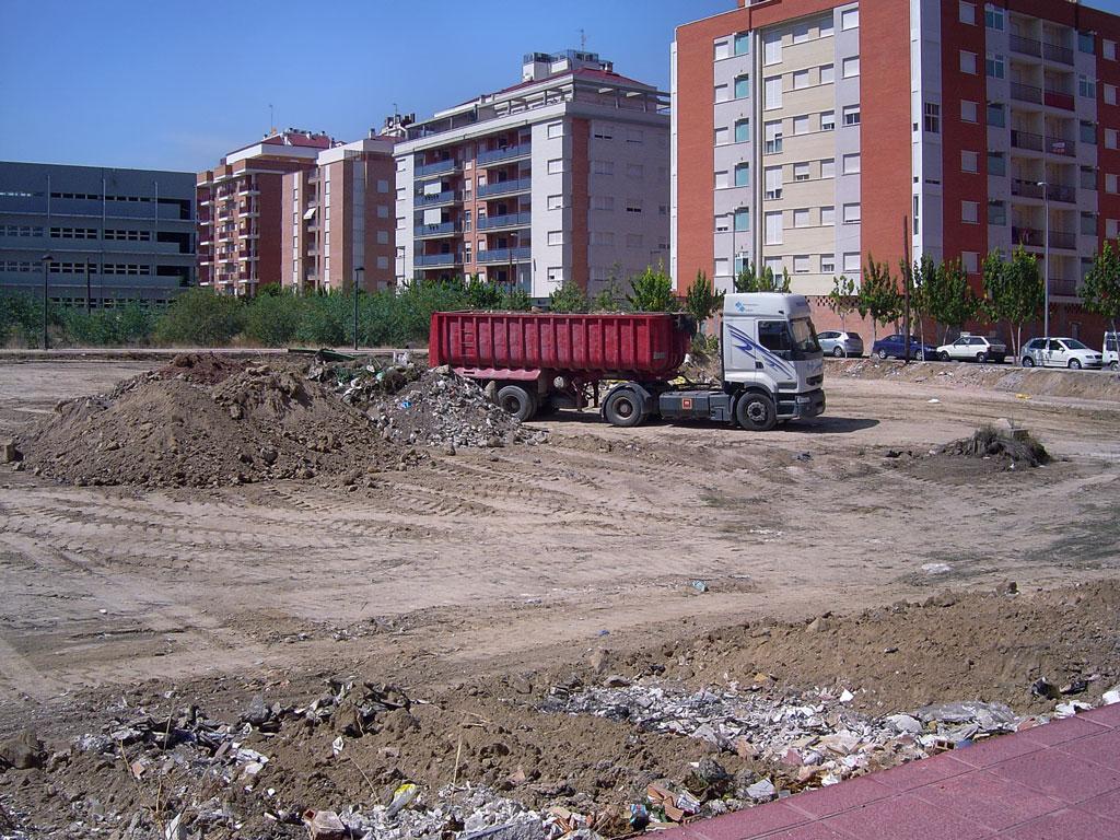 Septiembre de 2005 - movimiento de tierras en la parcela 7, manzana A-2, P.P. CR-4 Ronda Sur