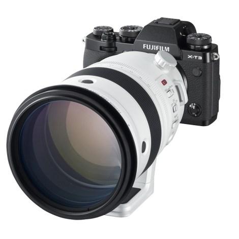 X-T3_Black_LeftObl+XF200mmF2