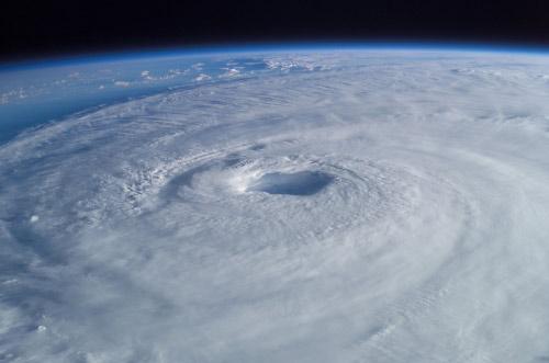 Ojo del huracán desde el cielo