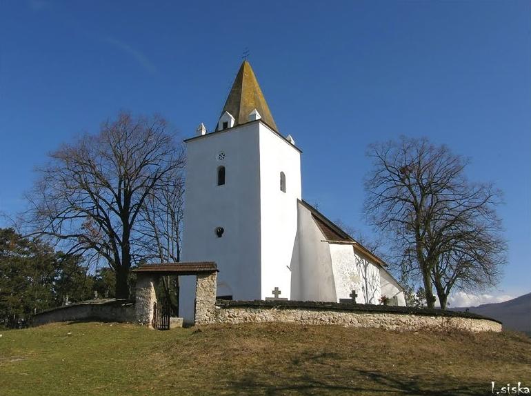 Kostol Panny Márie Kráľovnej anjelov v Sádku (foto: Ľubomír Šiška)