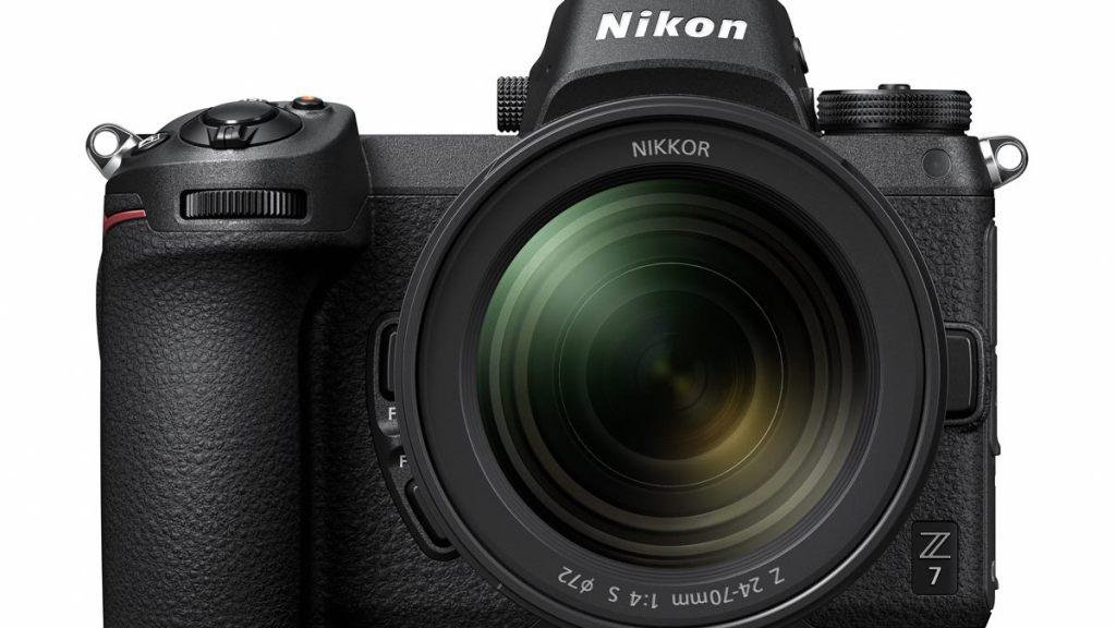 Für die Nikon Z 7 (im Bild), Z 6 und die Z 50 gibt es Funktionverbesserungen per Firmware-Upgrade.