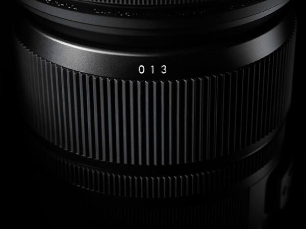 Sigma-24-105mm-f4-DG-OS-HSM-lens-02