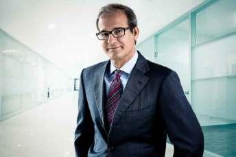retrato-strobist-siqui-sanchez-ejecutivo-corporativo