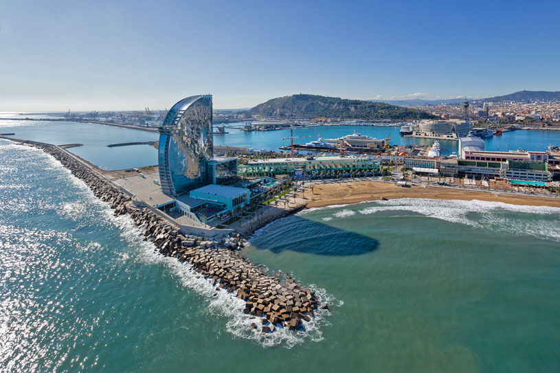 hotel-aerial-vela-w-port-barcvelona-costa-playa-torre