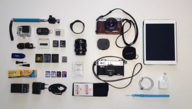 Foto 22 08 14 18 10 55 1 trascinato 872x500 - Viaggi: cosa metto in borsa?  A Street Photographer Bag - fotostreet.it
