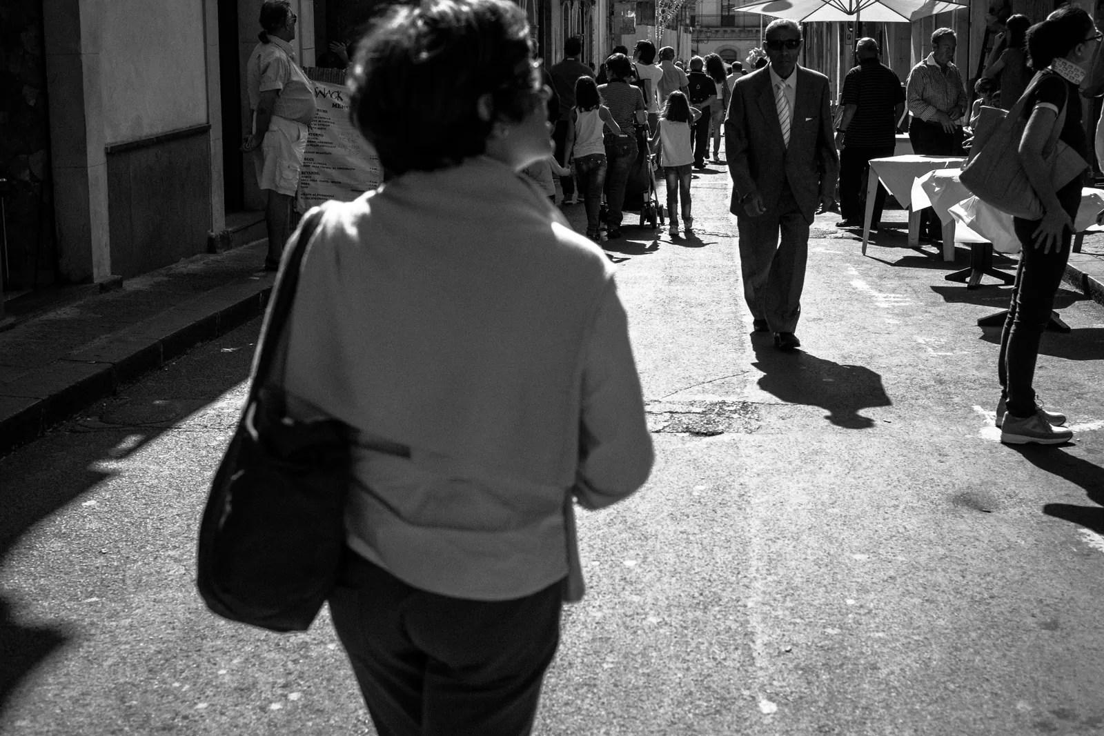 DSCF6016 - Priorità dei tempi e controllo dinamico della luce in street photography - fotostreet.it
