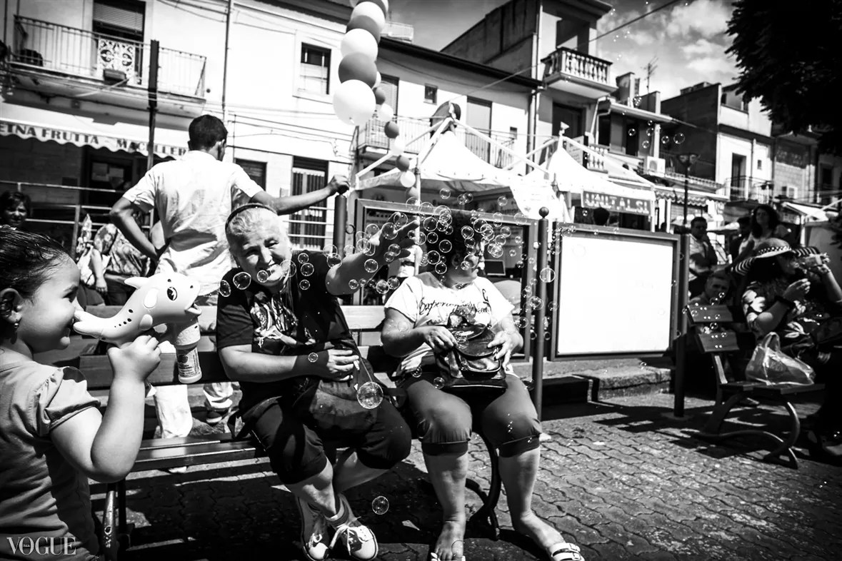 102 - 2014 - ONE YEAR OF MY STREET PHOTOGRAPHY ON VOGUE.IT - fotostreet.it