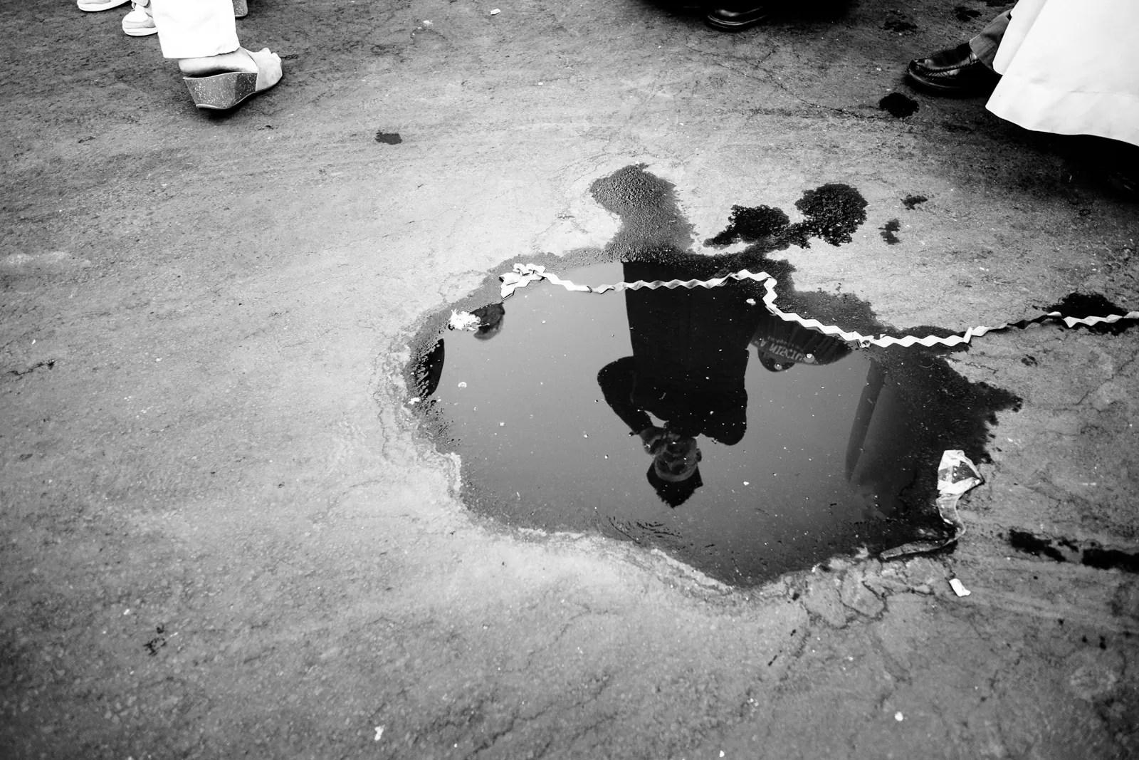 15143397527 e1497f9541 o - Lo spazio negativo in Street Photography - fotostreet.it