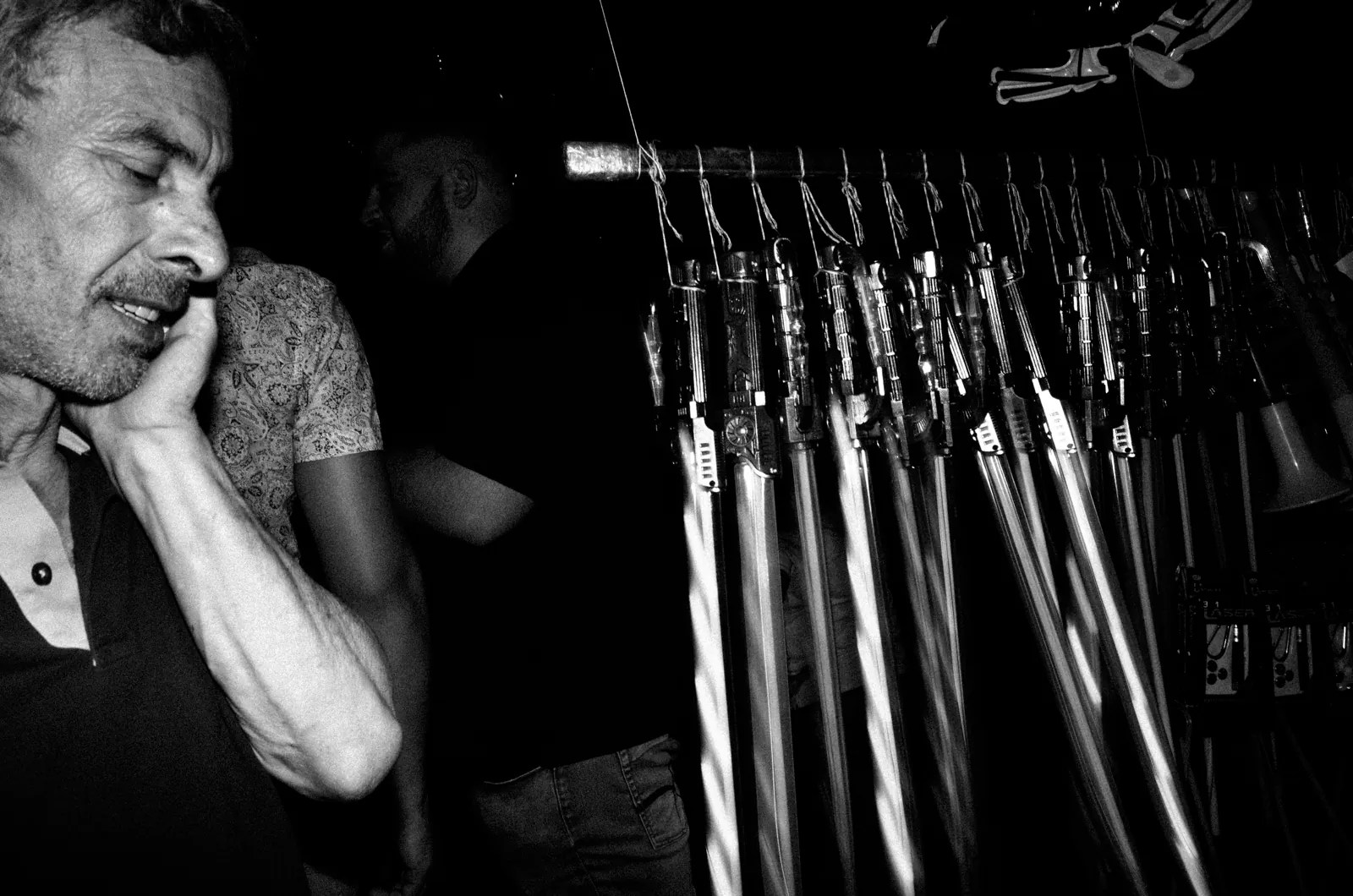 R0020027 - Una Istintiva Sessione Notturna • Street Photography Night Session a Palagonia - Sicilia - fotostreet.it