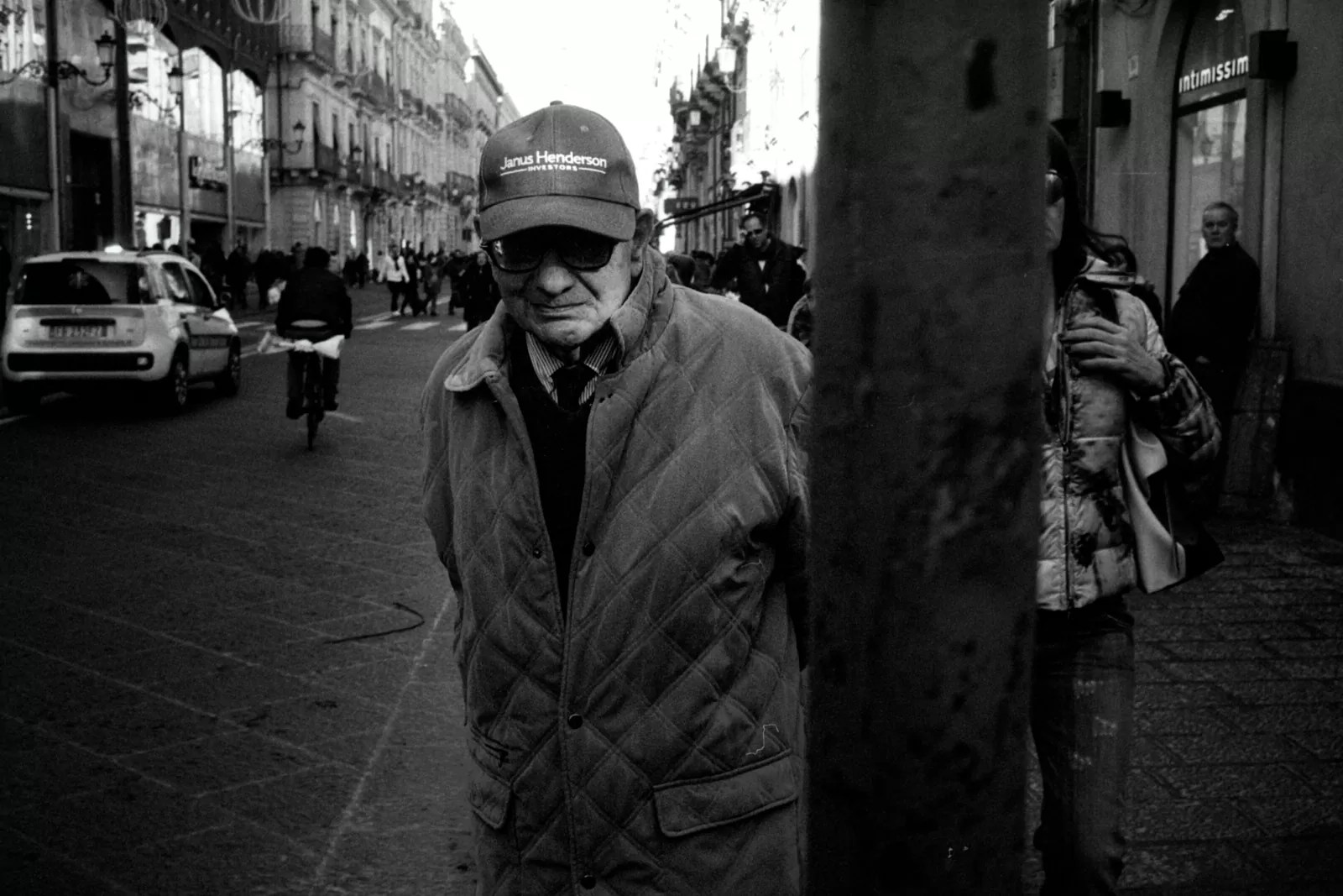 2017 12 24 0015 - In strada con Olympus Trip 35 - Catania Street Photography Session - fotostreet.it