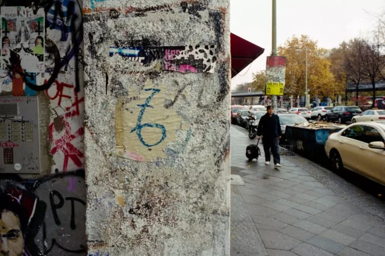 berlino portra400 033 750x500 - Berlino Area 36 Street Photography - fotostreet.it