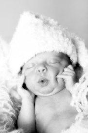 Baby, Neugeborenes, Kind, New born, Fotoshooting, Shooting, Fotostudio, Studio, Diez, Limburg, Hahnstätten, Holzheim, Fotos, Fotografien, Fotograf, Foto, klassisch, gefühlsvoll, exklusiv, emotional, gefühlsbeton, schön, modern, Familie, Fotografie Verena Schäfer, süß, Schnute, Mund, Mütze