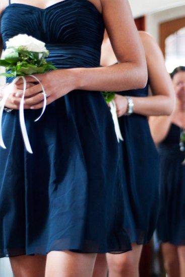 Hochzeit, Trauung, Heirat, heiraten, wedding, ja, Einzug, schönster tag, Glück, glücklich, romantisch, klassisch, gefühlsvoll, exklusiv, elegant, Hochzeitsfotos, Reportagen- Fotografien, Foto, Hochzeitsfotografien, Reportagenfoto, Reportage, emotional, gefühlsbetont, Momente, Tag, Liebe, Braut, Bräutigam, Brautpaar, paar, Fotos, Fotografien, Fotograf, Fotostudio, schön, modern, Hochzeitsfotografin, Diez, Limburg, Hahnstätten, Holzheim, Gefühle, Emotionen, Fotostudio, Studio, Shooting, Fotoshooting, Kirche, kirchlich, Brautjungfern