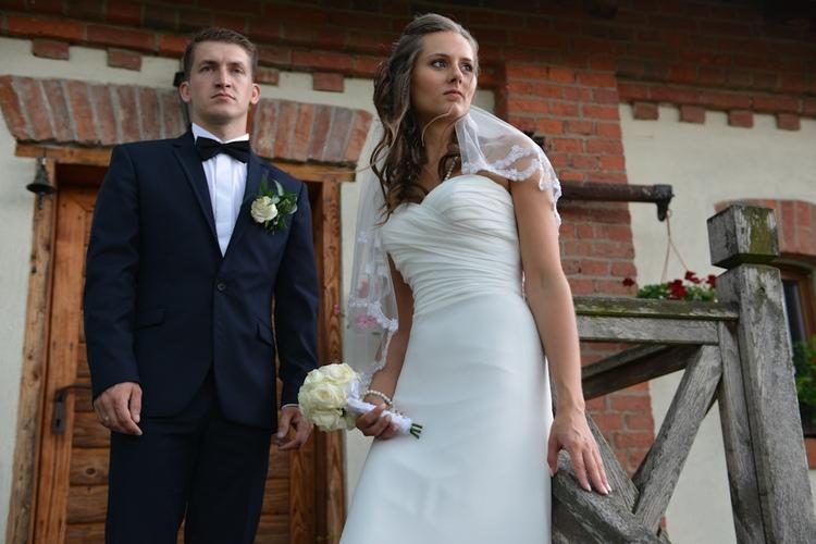 Poślubny plener fotograficzny- para młoda