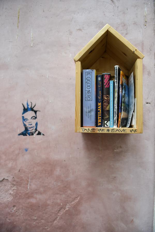 """Chorwacja, Umag, darmowa """"księgarnia"""""""