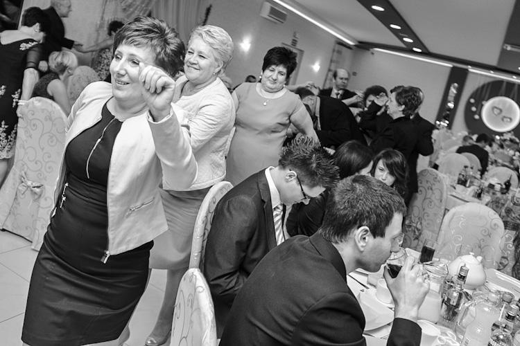 Zabawa na przyjęciu weselnym