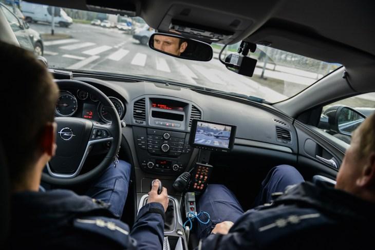 Bielsko-Biała: patrol w nieoznakowanym radiowozie Opel Insignia