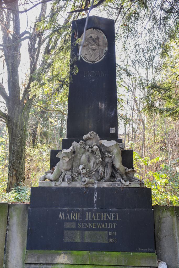 Stary nieczynny cmentarz ewangelicki wBielsku-Białej