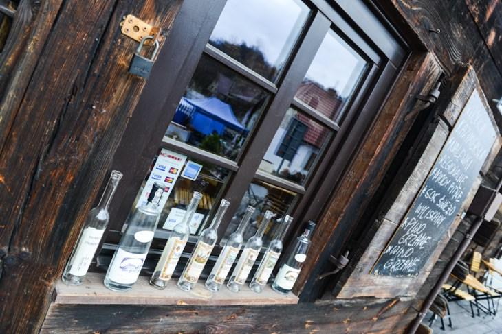 Kazimierz Dolny nad Wisłą, Mały Rynek, sklep z alkoholami