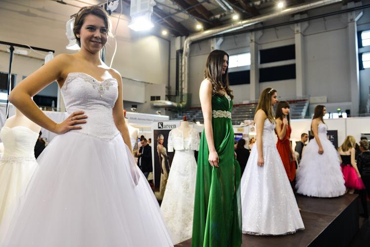 Fotografia ślubna Bielsko-Biała: prezentacja sukien