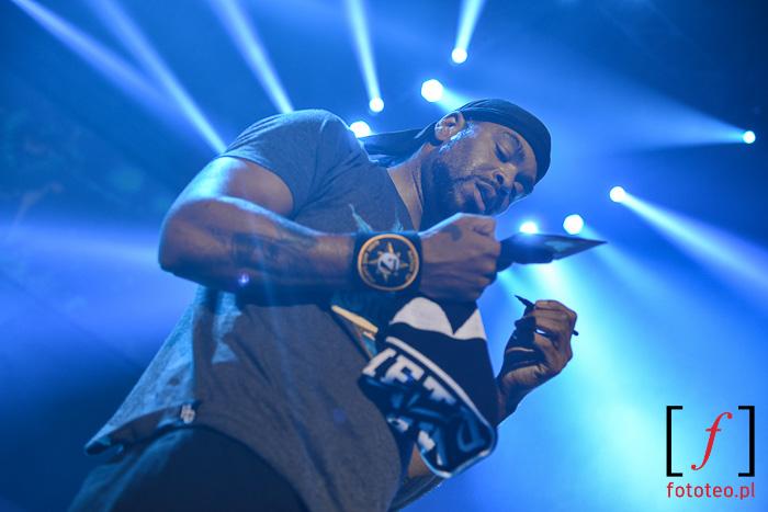 Method Man na scenie rozdaje autografy, Burn in Snow