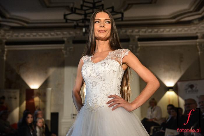Suknie ślubne na Mrs. Poland 2014 w Bielsku-Białej
