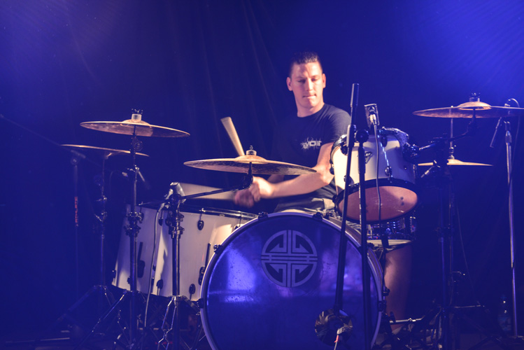 Ektomorf drummer