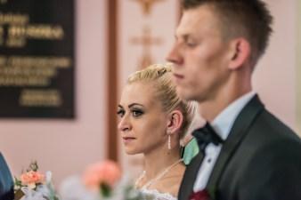 Agata i Damian przed ołtarzem, ślub Bielsko