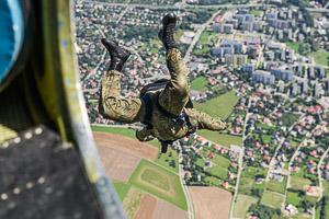 Bielsko-Biala-zlotu-ptaka-spadochroniarstwo