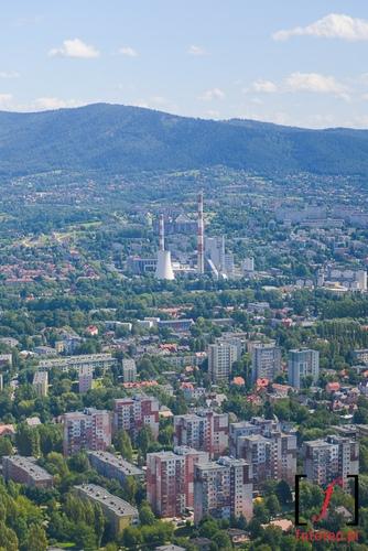 Osiedle sloneczne i elektrownia w Bielsku fotografia lotnicza