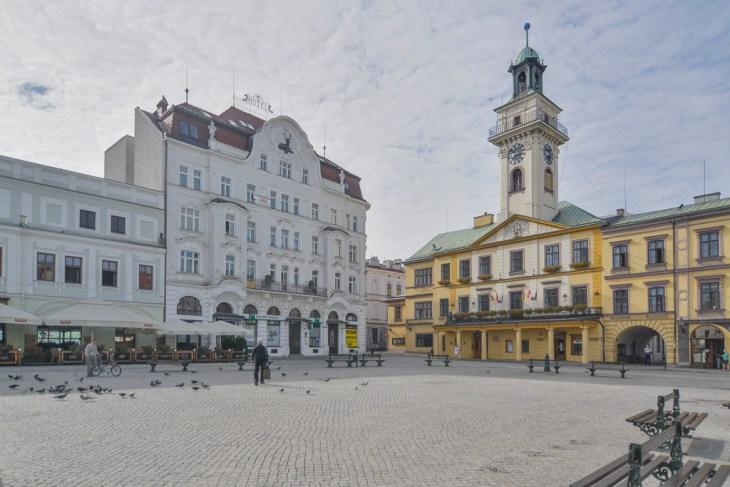 Fotograf Cieszyn. Ratusz ihotel nacieszyńskim Rynku