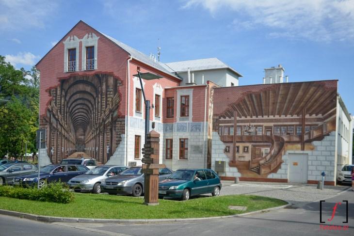 Biblioteka wUstroniu grafitti