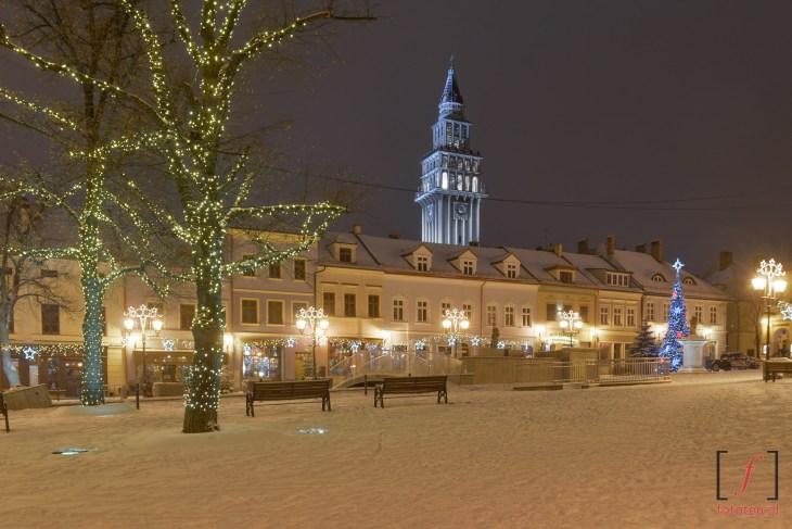 Rynek wBielsku-Białej zimą wnocy