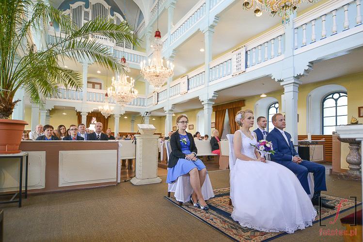 Ślub w Bielsku-Białej. Fotografia z kościoła