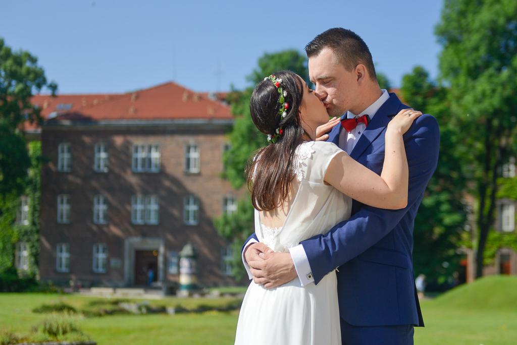 Para młoda na Wawelu