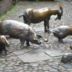 Wrocław: fotografia miasta. Część 5: pomniki, rzeźby ikrasnale