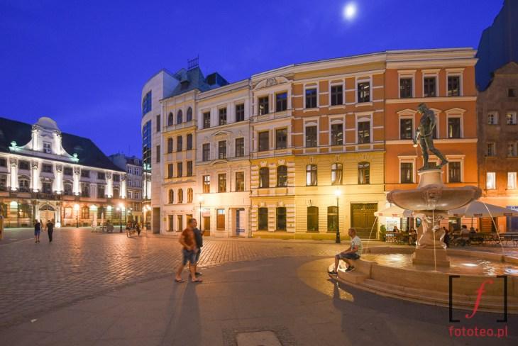 Plac przedUniwersytetem Wroclawskim