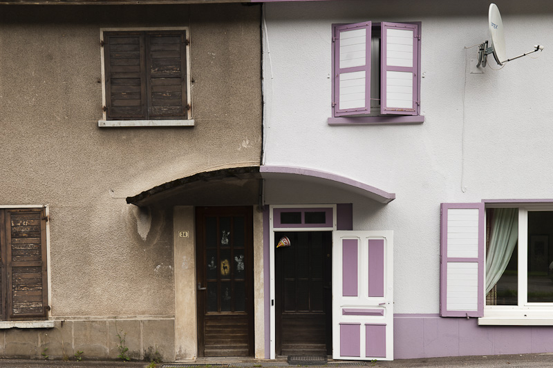 Huizenrij in Le Kertoff