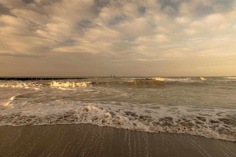 Ochtendzon, strand bij Nieuwesluis