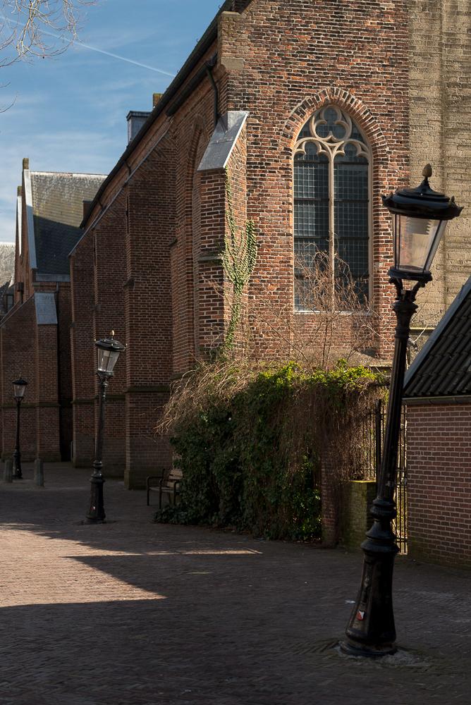Lantaarnpalen bij Nicolaïkerk